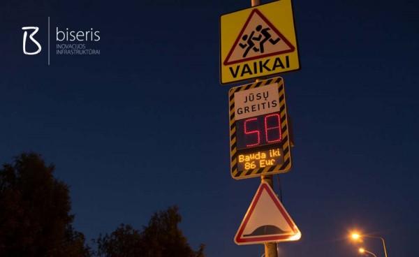 Pirmasis Lietuvoje greičio ir baudos rodymo ženklas